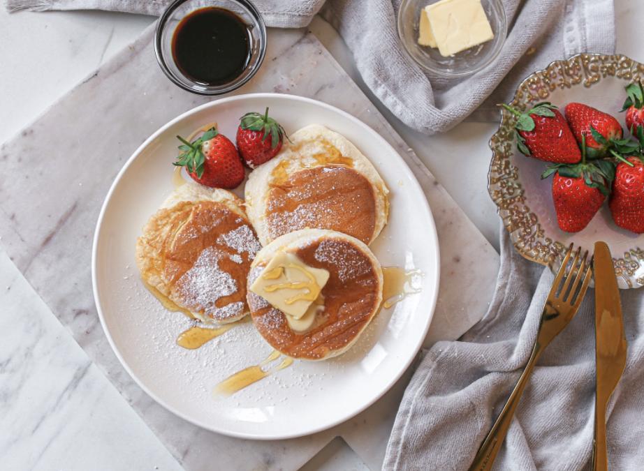 Des pancakes japonais ultra gonflés