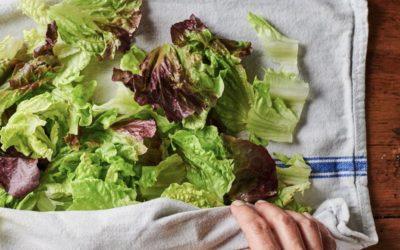 Comment laver sa salade sans essoreuse