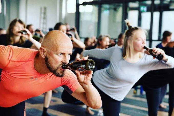 Drunk yoga – pour les yogalcooliques